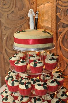 Christmas theme wedding with holly decoration