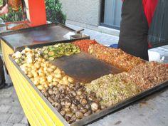 Nuestra Parrillada Mixta con sus verduritas Cambray asadas son nuestra especialidad de www.tacoselcipres.com.mx