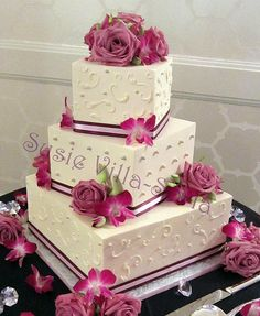 Scrolls and Dots | Three tier buttercream wedding cake with … | Flickr