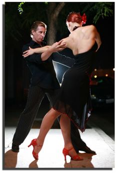 To live is to dance the tango...or to dance the tango is to live...