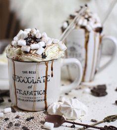 Happy Valentine-Frohen Valentinstag-ich hab Kakao für euch <3 Schaut doch mal vorbei- auf meinem Blog findet ihr öfters DIY Projekte und Co. Kakao, Baking Ingredients, Cookie Dough, Cookies, Mugs, Tableware, Party, Blog, Recipes