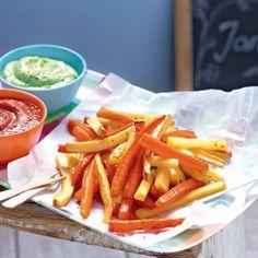 """Bei gesunden Pommes aus Kartoffeln, Karotten und Pastinaken schreien alle: """"Hurra!"""". Dazu gibt`s selbstgemachtes Ketchup."""