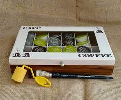 Arte lá em casa: Caixa para Capsulas de Café com vidro - Café