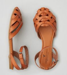 closed toe sandal for spring and summer. Would be cute with dresses or pants
