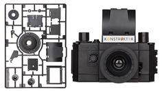 プラモデルみたいに自作できるロモグラフィーのフィルムカメラ。米国で発売中  [In store now]