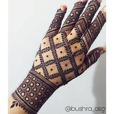 Best Indian Mehndi Designs - Mehndi or Henna is a form of body art based on dyes prepared from the plant called Lawsonia inermis. It is an immensely famous and widely used technique for adorning the body. Henna Art Designs, Indian Mehndi Designs, Modern Mehndi Designs, Wedding Mehndi Designs, Mehndi Design Pictures, Beautiful Mehndi Design, Latest Mehndi Designs, Mehndi Designs For Hands, Mehndi Images