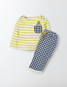 Pets in pockets make playtime even better. The cute seaside pals sewn into the pocket add extra giggles to this easy-to-wear play set, made from long-lasting 100% cotton. With matching tops and bottoms you can be ready to go in moments, so there's more time for fun.