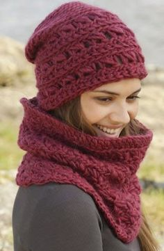 """Cozy Crimson / DROPS - Crochet DROPS hat and neck warmer with broomstick lace in """"Eskimo"""". Design gorros Cozy Crimson Hat pattern by DROPS design Crochet Adult Hat, Bonnet Crochet, Gilet Crochet, Crochet Gloves, Crochet Beanie, Crochet Scarves, Free Crochet, Knitted Hats, Knit Crochet"""