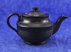 Antique-Jackfield-Pottery-Tea-Pot-English-1700s-Black