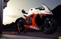 KTM RC8 1190R...