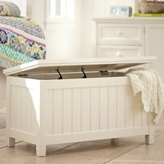 Beadboard End Of Bed Trunk - This a great solution for storing handbags or shoes!