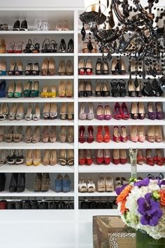 Somewhere exists the perfect closet. Share if this is the one you want!