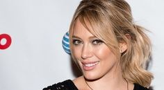 The Day and Night Style and Looks of Hilary Duff Simply Works For Her Hilary Duff, Fashion Night, Fashion News, Lizzie Mcguire, Celebs, Celebrities, The Duff, Ponytail, Red Carpet
