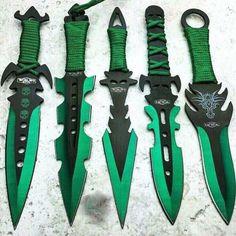 Survival camping tips Pretty Knives, Cool Knives, Ninja Weapons, Weapons Guns, Swords And Daggers, Knives And Swords, Tactical Knives, Tactical Gear, Armas Ninja