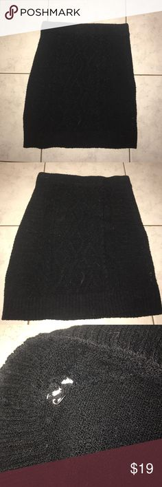 Free People Knit Skirt Black S Small knit free people black skirt. Bandage or bodycon skirt with cable knit. Small hole where tag is on side. Otherwise great condition Free People Skirts Mini