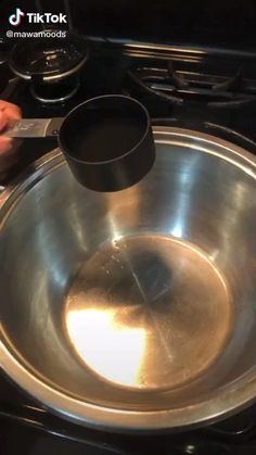 Do you like boba or milktea? Watch this Easy How To Cook and Make Tapioca Pearls and Make Boba Food TikTok by @mawamoods and try making this at home #food #milktea #boba #tapioca Fun Baking Recipes, Tea Recipes, Sweet Recipes, Snack Recipes, Cooking Recipes, Tasty Videos, Food Videos, Boba Tea Recipe, Yummy Drinks