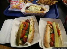 """Chicago's BEST Hot Dogs: The Tastiest Wieners In The Windy City (PHOTOS)"" from Huff Post Food. I have to agree, Hot Doug's is awesome and worth the wait! Beef Hot Dogs, Chicago Style, Good Pizza, Places To Eat, Hot Dog Buns, Sweet Home, Tasty, Stuffed Peppers, Healthy Recipes"