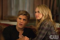 """THE SECRET CIRCLE """"Beneath"""" Pictured (L-R): Chris Zylka as Jake and Britt Robertson as Cassie. Liane Hentscher/The CW ©  2011 The CW Network, LLC. All rights reserved."""