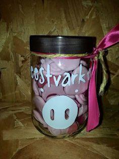 Feestvarken.  Facebook: Being creative