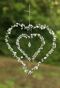 Wire Crafts, Jewelry Crafts, Valentine Day Crafts, Christmas Crafts, Diy Crafts For Kids, Arts And Crafts, Diy Wind Chimes, Deco Floral, Heart Crafts