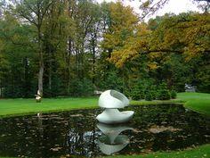 'Sculpture Flottante' van Marta Pan