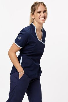 Dental Scrubs, Medical Scrubs, Scrubs Outfit, Scrubs Uniform, Scrub Suit Design, Beauty Therapist Uniform, Hotel Uniform, Fitness Workout For Women, Nursing Clothes