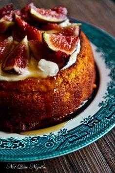 Luscious Fig & Yogurt Almond Cake (Gluten Free) luscious figs and honey on top of a moist yogurt cake. Fig Recipes, Almond Recipes, Baking Recipes, Sweet Recipes, Cake Recipes, Dessert Recipes, Gluten Free Cakes, Gluten Free Baking, Gluten Free Desserts