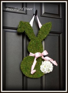 Easter Wreath.   Moss Covered Bunny with Geranium Cotton Tail.  An Etsy Original.  Two Color Choices Available.