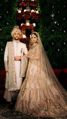 Indian Wedding Couple Photography, Wedding Photography Poses, Wedding Portraits, Couple Wedding Dress, Wedding Couples, Wedding Shoot, Indian Bridal Outfits, Bridal Dresses, Indian Dresses
