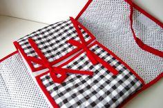 Porta travessa em tecido 100% algodão, estruturado com manta acrílica, quiltado. Para travessas retangulares.