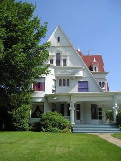 Victorian built by Newton A. Carmean in 1890 located at: in Marshalltown, Iowa Victorian Architecture, Architecture Details, Amazing Architecture, Old Mansions, Unusual Homes, Second Empire, Interior Garden, Gothic, Romantic Homes