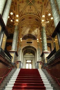 Semperoper Dresden -- Dresden opera house