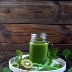 Green cocktail with spinach, cucumber and mint (diet by dr Dąbrowska) - Fit Fruit And Vegetable Diet, Sassy Water, Kielbasa, Pavlova, Fruits And Vegetables, Celery, Pickles, Cucumber, Spinach