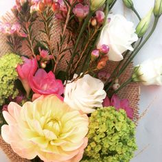 31/07/15 Blooms. Send in London for just £18 inc delivery