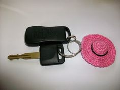 Free Crochet Pattern: Mini Sun Hat Keychain