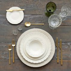 White Lace Charger + The White Collection vintage china + Gold Flatware + Olive/Cut Crystal/Coupe Trios + Antique Crystal Salt Cellars | Casa de Perrin Design Presentation