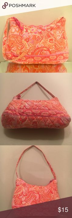 ORANGE/PNK PAISLEY VERA BRADLEY FR POCKET HOBO BAG EUC- Beautiful and feminine! Enjoy this darling vera Bradley! It has pinks , corals , pastel yellow and orange hues throughout a beautiful paisley print! It has a front pocket for any convenience along with an inside zipper pocket and a roomy padded area to protect your belongings! Shows some signs of wear but has by no means been abused. Not mint /pre-loved gently! Pictures part description, ask questions if needed since all sales final…