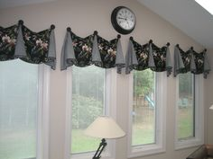 Pate Meadows pleated with Finials tropical theme by Tracy Cooke Custom Valances, Window Treatments, Valance Curtains, Sewing Patterns, Tropical, Windows, Home Decor, Decoration Home, Factory Design Pattern