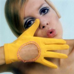 Twiggy. Showing glove.