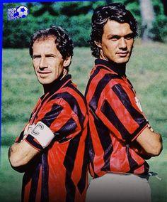 Milan Football, Football Icon, Best Football Players, Retro Football, Vintage Football, Sport Football, Soccer Players, Ac Milan, World Soccer Magazine