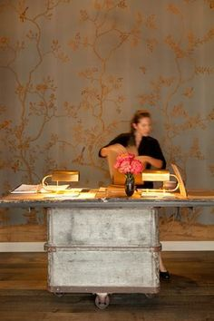 The wallpaper is both soothing and warm at the same time and the design very elegant and light