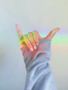 promises with hope Rainbow Aesthetic, Aesthetic Colors, Aesthetic Photo, Aesthetic Pictures, Hand Photography, Girl Photography Poses, Tumblr Photography, Aesthetic Backgrounds, Aesthetic Iphone Wallpaper