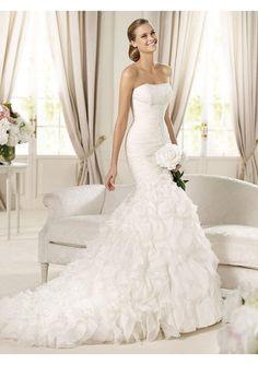 Image from http://www.jdbridal.co/images/wedding-dresses/wedding-dresses-2013-035-1.jpg.
