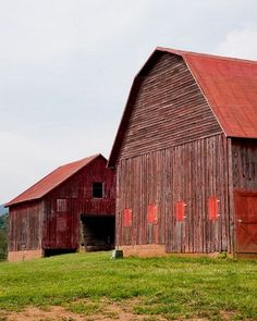 Gorgeous 78 Stunning Red Barn You'll Actually Want To Know https://modernhousemagz.com/78-stunning-red-barn-youll-actually-want-to-know/