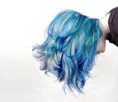 Blaue Haare wie der Ozean