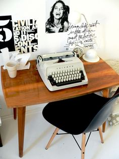 – Executive Home Office Design Office Furniture Design, Home Office Design, Home Decor Furniture, Office Designs, Workspace Inspiration, Home Decor Inspiration, Executive Room, Sweet Home, Hans Wegner
