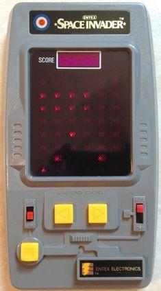 ENTEX: 1981 SPACE INVADER Handheld Video Game