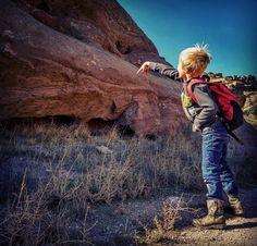 Always time break for some rock toss!  #lgv10 #happy #smile #hiking #rocks #kids #simplehuman