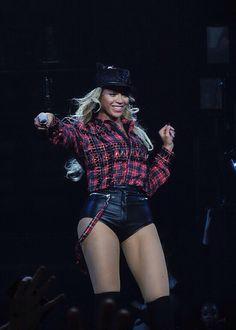 Beyonce The Mrs. Carter Show World Tour  In Glasgow February 2014