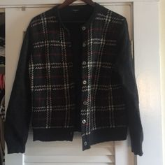 STUNNING BURBERRY WOOLLEN CARDIGAN Stunning brand 100% authentic! Made in Italy! Classic Burberry Sweaters Cardigans